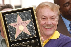 Jerry Buss, morto all'età di 79. Un'icona a Los Angeles